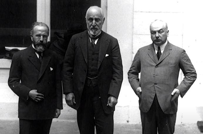 Sopn Sadrazam Tevik Paşa (ortada ki)